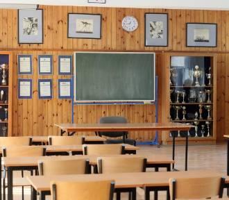 Kiedy uczniowie wrócą do szkół? Minister Czarnek podał możliwą datę