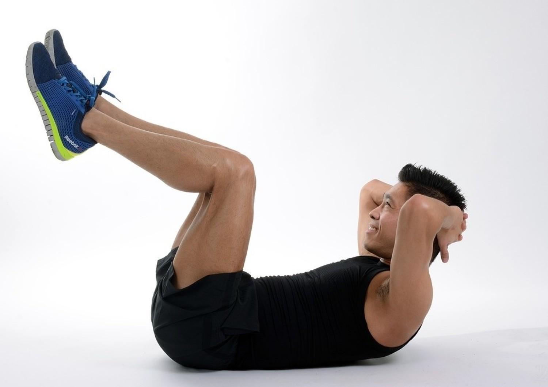 Brzuszki to najbardziej popularne ćwiczenia na płaski brzuch