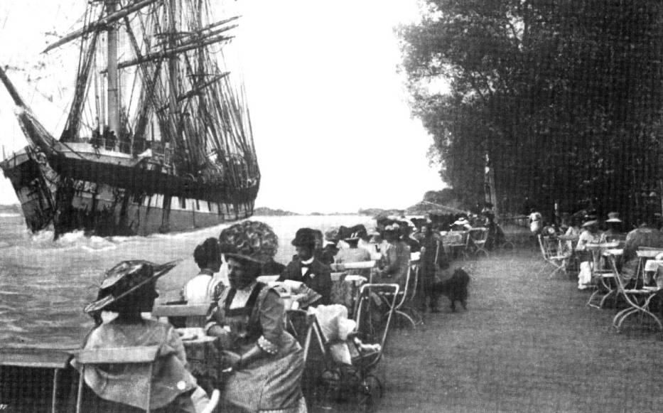 """Letnia restauracja """"Oder"""" przy golęcińskim nabrzeżu"""