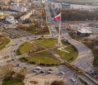 Znikną niebezpieczne skrzyżowania w Warszawie. Na ich miejscu pojawią się ronda