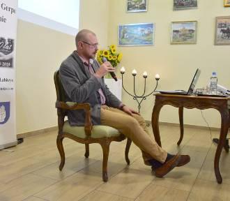 Łabiszyn. Wojciech Ślusarczyk opowiedział o dziejach apteki Pod Orłem [zdjęcia]