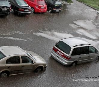 Burze w woj. śląskim - dwie osoby nie żyją. IMGW ostrzega przed kolejnymi burzami z gradem