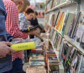 Jakie książki na Mikołaja? 15 ciekawych tytułów dla małych i dużych