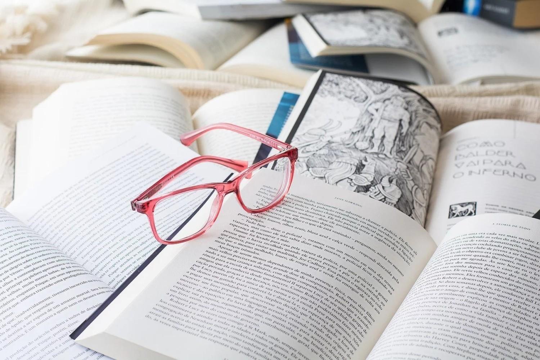 """Akcja """"Zostań w domu"""" to dobra okazja, by w spokoju oddać się lekturze"""