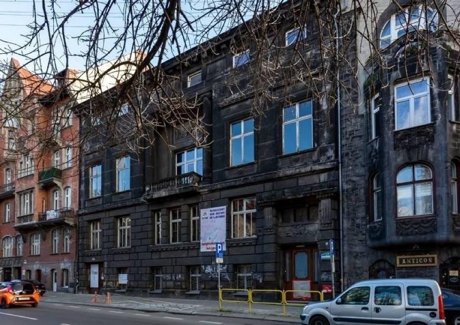 Renowacja Młodzieżowego Domu Kultury w Bytomiu trwa