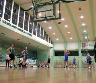 Koszykarki RMKS Rybnik wygrały wysoko w Piekarach
