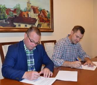 Podpisano umowę na ostatni etap remontu Przedszkola Samorządowego w Sulmierzycach
