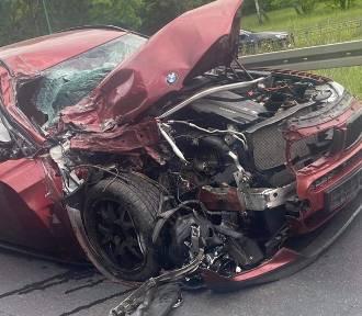 Dąbrowa Górnicza: Zderzenie BMW z autokarem