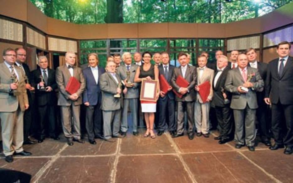 Laureaci Cezarów i Diamentów 2009 roku stanęli na pamiątkę do wspólnej fotografii