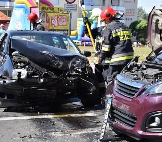 W Śremie: Wypadek przy ul. Kilińskiego. Utrudnienia w ruchu na tym odcinku drogi [ZDJĘCIA]