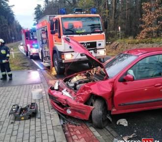 Zderzenie dwóch samochodów na drodze wojewódzkiej nr 768
