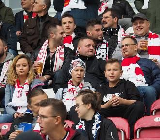 Szaleństwo kibiców na stadionie ŁKS po wygranej z Arką Gdynia ZDJĘCIA
