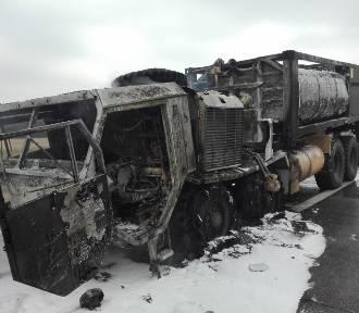 Pożar wojskowej cysterny na autostradzie A2