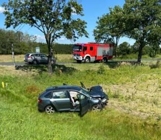 Tragiczny wypadek na drodze nr 94 pod Wrocławiem. Jedna osoba nie żyje [ZDJĘCIA]