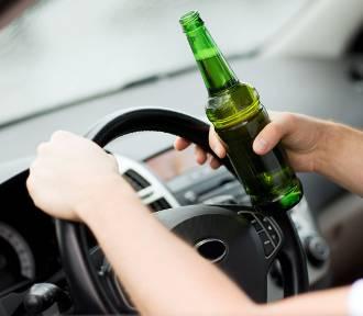 Pijany 62-latek prowadził fiata w powiecie radziejowskim, a miał zakaz kierowania pojazdami