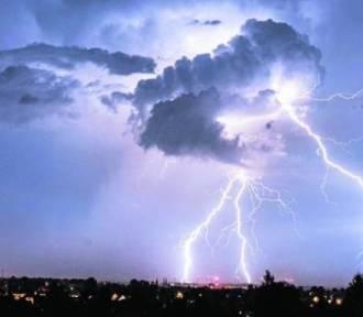Ostrzeżenie przed burzami z gradem dla powiatu tomaszowskiego