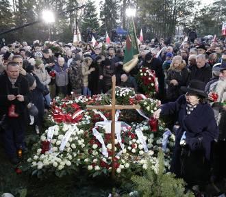 Warszawa żegnała byłego premiera. Pogrzeb Jana Olszewskiego