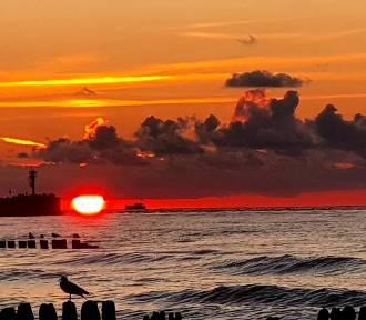 Przepiękne zachody słońca nad morzem na zdjęciach internautów