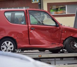 Malbork. Wypadek na ulicy Głowackiego. Do szpitala trafiła 70-letnia kobieta [ZDJĘCIA]