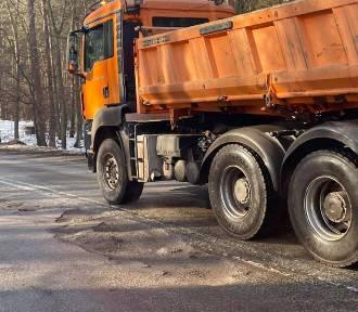 Droga 501 wciąż w złym stanie. Mieszkańcy wyrażają oburzenie