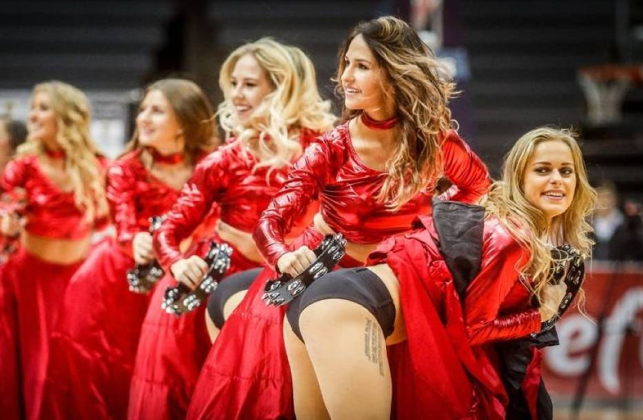 Dziś przygotowaliśmy dla Was galerię złożoną ze zdjęć najpiękniejszych polskich cheerleaderek