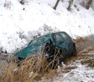 Dachowanie i zderzenie dwóch aut. Niebezpiecznie na drogach powiatu malborskiego