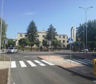 Niebezpieczne skrzyżowanie w Koszutce już po przebudowie. Teraz jest tu rondo ZDJĘCIA