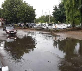 Po opadach deszczu są poważne problemy na ulicach Szczecina [ZDJĘCIA]