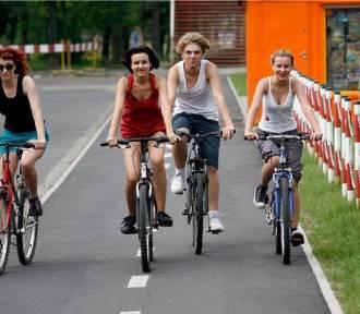 Kto w Warszawie jeździ na rowerze? Zaskakujące badania. Duży wzrost ruchu jednośladów