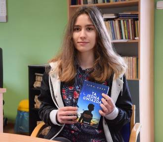 Agata Brzezińska z Włocławka ma dopiero 18 lat, a pisanie książek to jej plan na życie