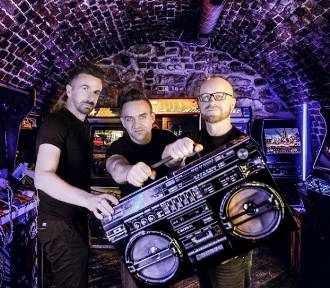 """Hit Bryana Adamsa """"Run To You"""" w wersji małopolskiego trio Komodo  [ZDJĘCIA, WIDEO]"""