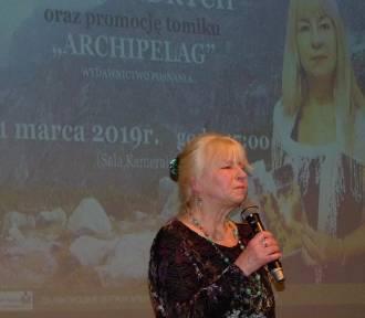 Poetycki wieczór z Anną Andrych i  jej wierszami w Zduńskiej Woli [zdjęcia i video]
