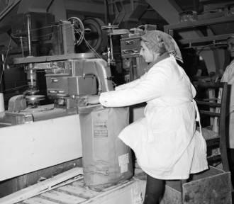 W 1989 Kowalski mógł kupić za całą wypłatę... 71 kg cukru