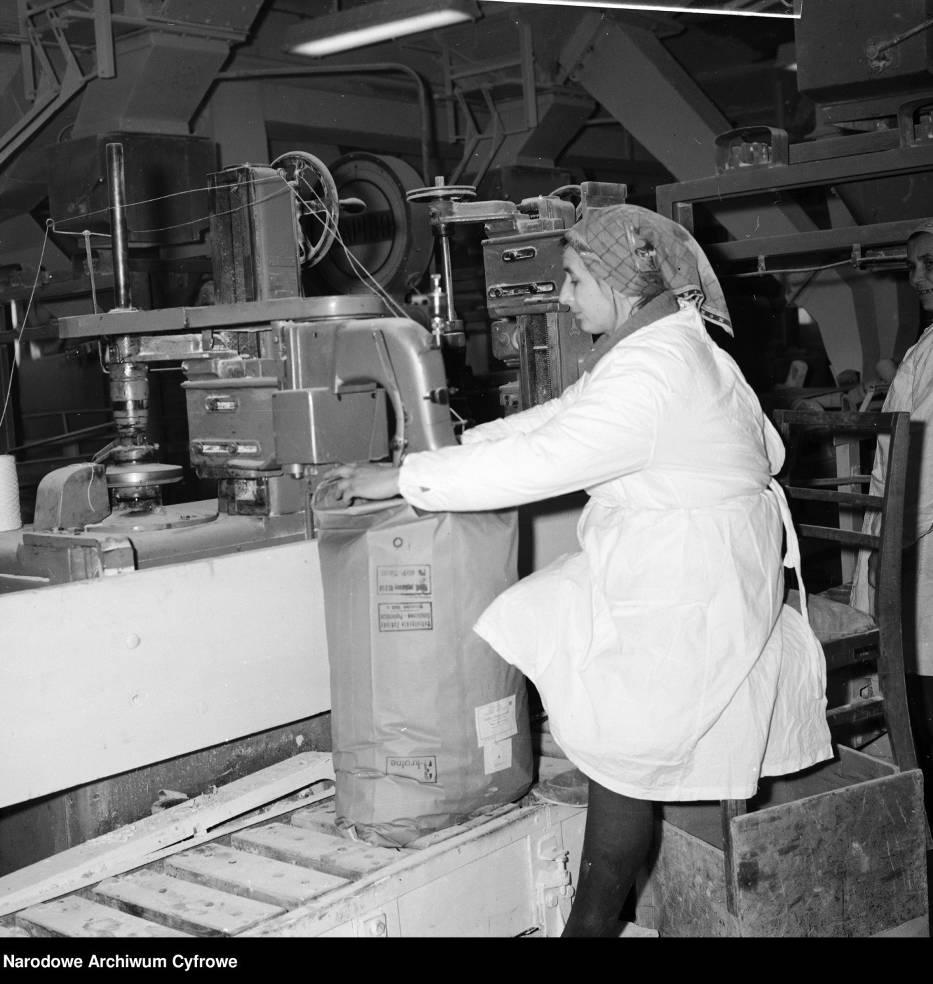 Cukrownie w czasach PRL-u. W 1989 Kowalski mógł kupić za całą wypłatę 71 kg cukru