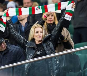 Legia - Ajax (0:0). Kibice na Ł3 - tak się dopinguje w Warszawie! [ZDJĘCIA kibiców]