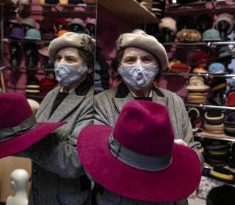 Krakowianie ratują sklepik z kapeluszami przy ul. Floriańskiej