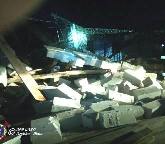 Gródek. Zawalił się strop budynku podczas wylewania betonu