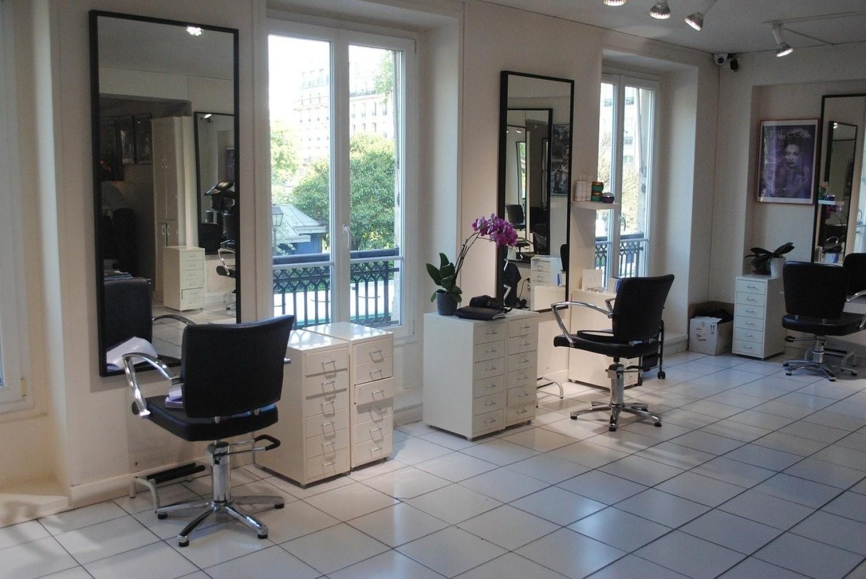 TOP 20 salonów fryzjerskich w Kielcach według opinii użytkowników Google