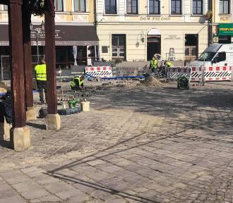 Rynek w Rzeszowie rozkopany. Co za prace prowadzi Miasto?  [ZDJĘCIA]