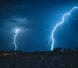 Ostrzeżenie IMGW. Czwartek będzie burzowy. Uwaga na silny wiatr i grad