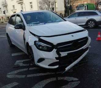 Poznań: Wypadek na skrzyżowaniu. Ranna m.in. kobieta w ciąży
