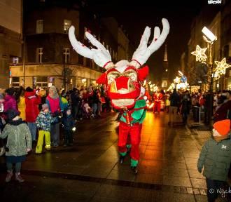 Świąteczna Parada w Katowicach przeszła przez miasto. ZDJĘCIA