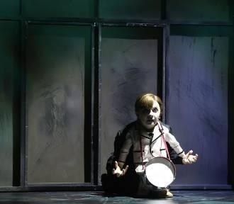 """""""Blaszany bębenek"""" w Teatrze Muzycznym Capitol. Premiera 6 października, spektakl przedpremierowy"""