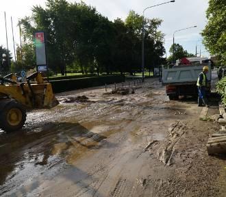 Awaria w centrum Poznania. Ważna ulica nieprzejezdna. Duże korki. Są objazdy!