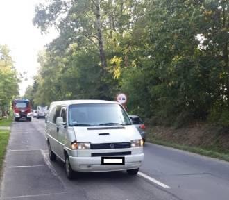 Dwóch pracowników drogowych potrąconych w Szczytach. Interweniowało LPR