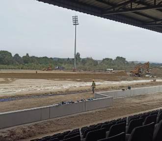 Stadion Sandecji. Już niebawem położą nową murawę [ZDJĘCIA]