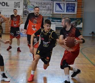 Człuchowska Amatorska Liga Koszykówki. KS Basket Piła - Człuchowskie Byki (zdjęcia)
