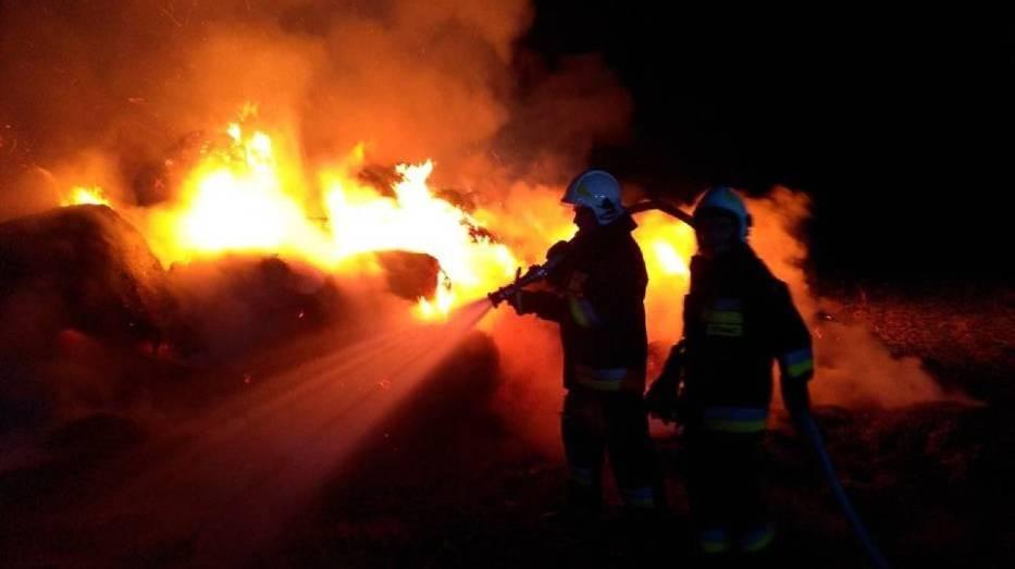 Seria pożarów stogów siana. Policja potwierdza, że są to podpalenia