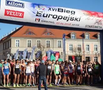 XVI Bieg Europejski - Gniezno. Biegacze wystartowali! Zobacz z nami start biegu [FOTO, VIDEO]