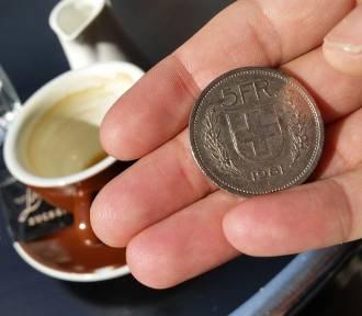 Frankowicze radzą sobie z kredytem hipotecznym – i to nawet lepiej niż zadłużeni w złotówkach
